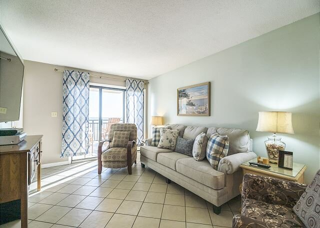 Recently Renovated Pet Friendly Oceanfront Condo + FREE DAILY ACTIVITIES!, location de vacances à Myrtle Beach Nord