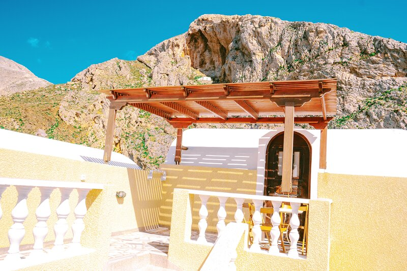 Cave Style Room with Mountain and SeaView, vacation rental in Perissa