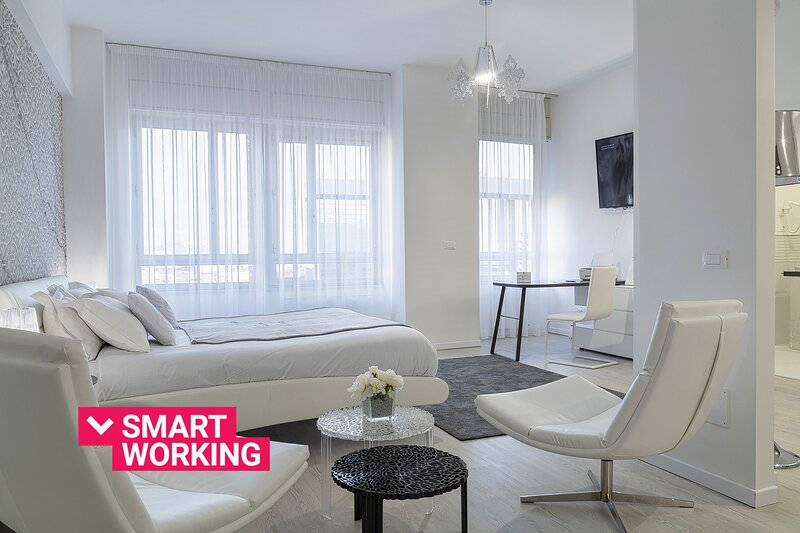 La Torre di Dante Luxury Design Apartment, holiday rental in Crevari