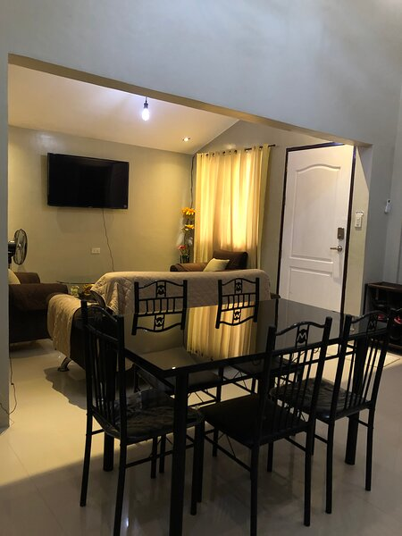 The Pad Home | new, centralized AC, 35mbps netflix, vacation rental in Pampanga Province