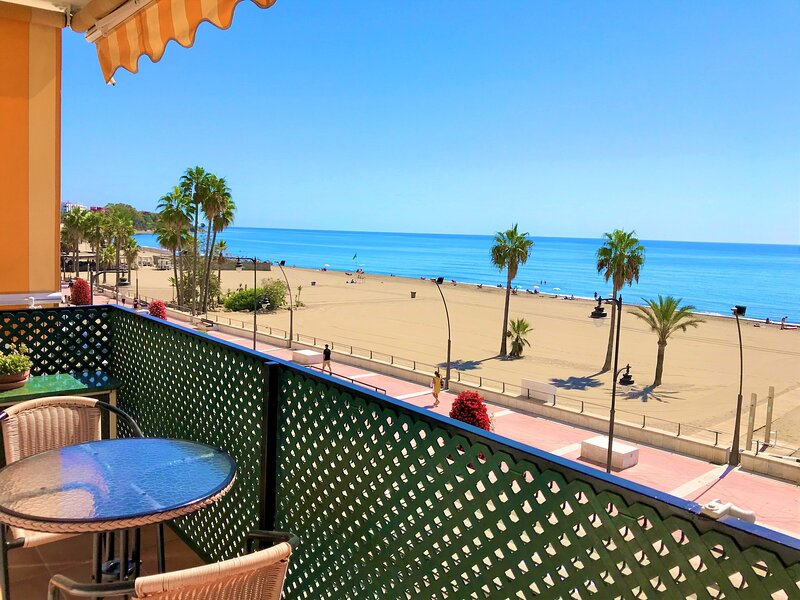 VISTAMAR ESTEPONA APARTMENT SAFE STAY FOR COVIC-19, Ferienwohnung in Estepona