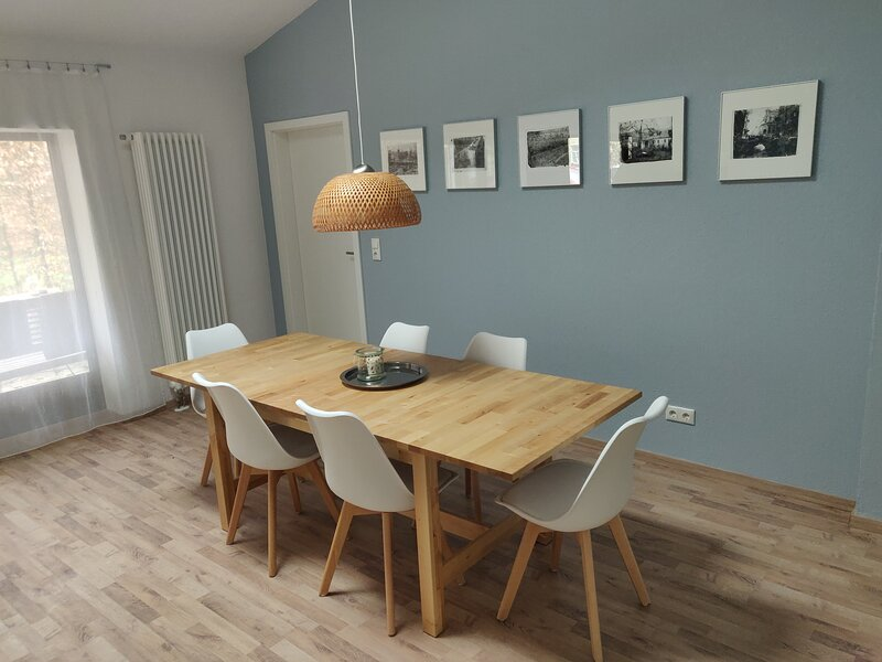 '2er-fewo' - Holiday home for 6 people in Weimar, quiet, central, parking, aluguéis de temporada em Leinefelde
