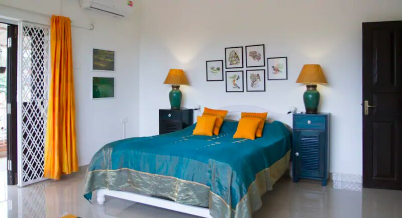 The Assagao House - Luxury 6BHK Villa with Pvt Pool, holiday rental in Verla Canca
