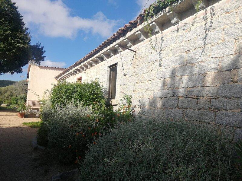 Stazzo di San Trano immerso nel verde, holiday rental in Tempio Pausania