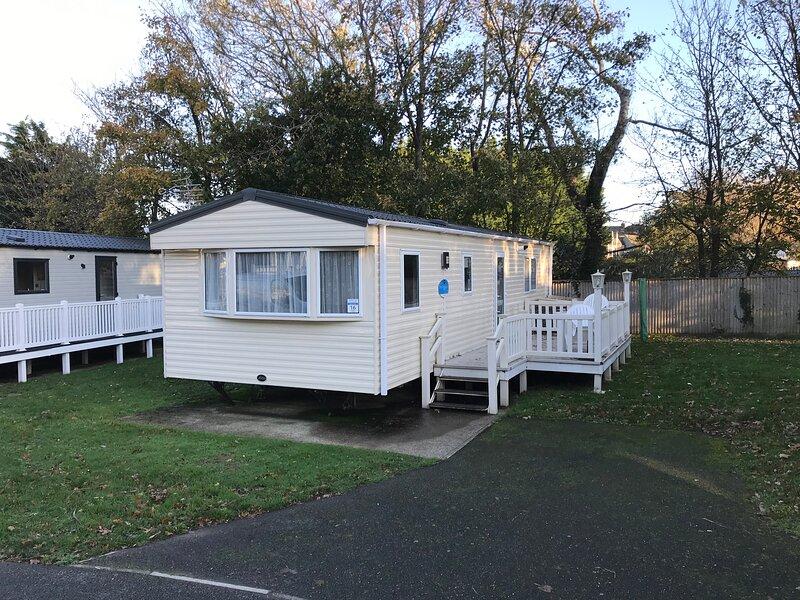 2 bedroom Caravan NV16, Shanklin, Isle of Wight, Ferienwohnung in Godshill