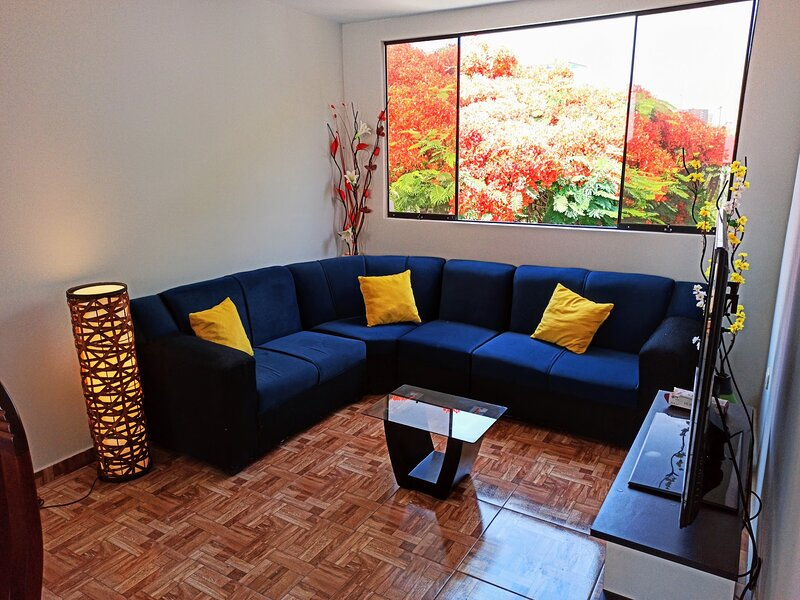 Apartment Ejercito Ave (large groups), vacation rental in Moche