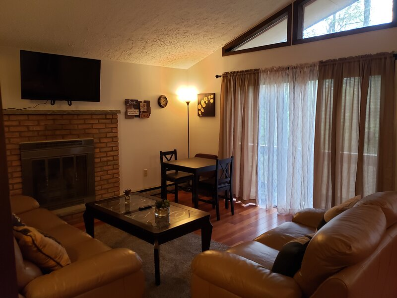 Comfort and convenience in the Poconos - VeryQuiche 2, holiday rental in Tobyhanna