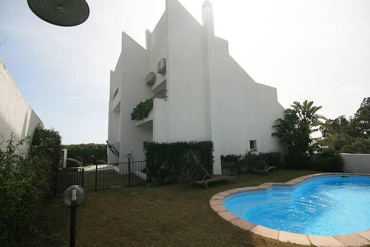 Villa Mare, Sea View and Swimming Pool, location de vacances à Capitana