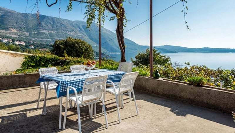 Guest House Fontana - Two Bedroom Apartment with Terrace and Sea View, holiday rental in Soline
