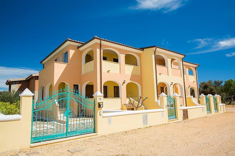 Apt. Orosei 3B, with shared Swimming Pool, holiday rental in Marina di Orosei