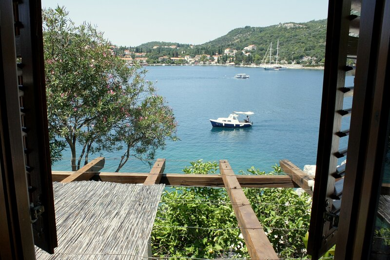 Villa Gverovic-Duplex Two-bedroom Apartment with Terrace and Sea View, casa vacanza a Stikovica