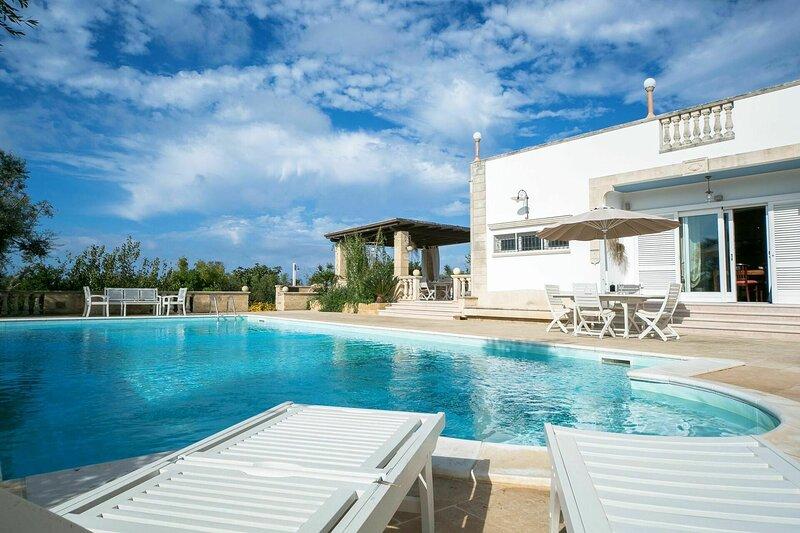 Villa Maya, vacation rental in Torre Suda