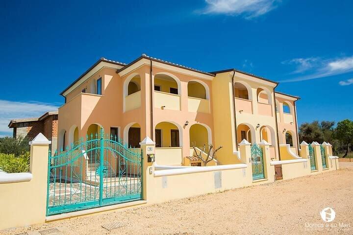 Apt. Orosei 1B, with shared Swimming Pool, holiday rental in Marina di Orosei