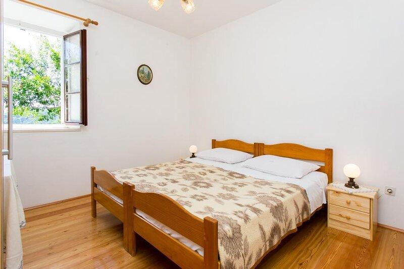 Guest House Simunovic - Double Room No2, alquiler de vacaciones en Sudurad