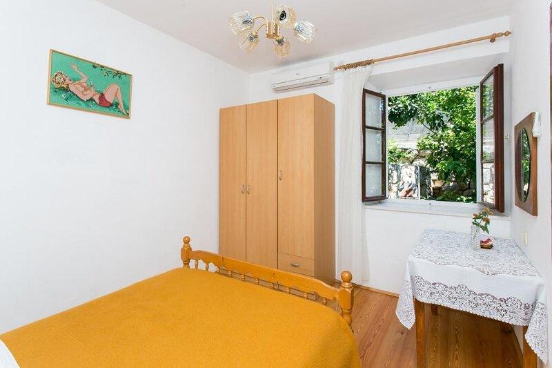 Guest House Simunovic - Double Room No3, alquiler de vacaciones en Sudurad