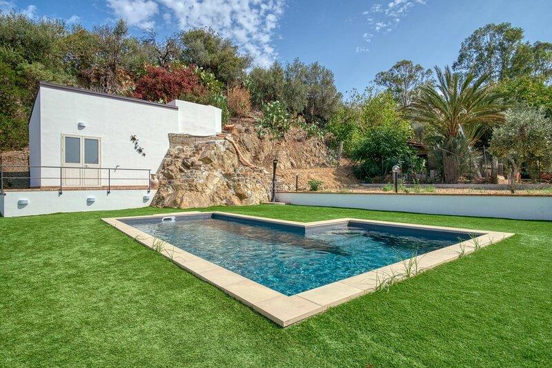 Piane Vecchie Villa Sleeps 6 with Pool Air Con and WiFi - 5878870 – semesterbostad i Capo