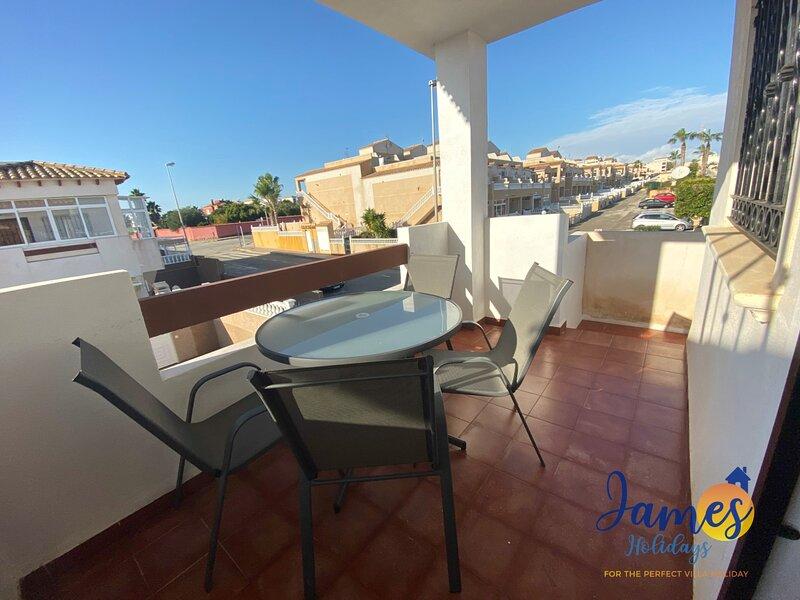 First Floor  La Cinuelica Apmt R3 Com  pool L334, holiday rental in Los Dolses