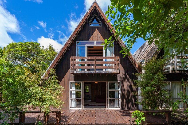 Pukawa Lodge - Pukawa Bay Holiday Home, Pukawa Bay, holiday rental in Turangi