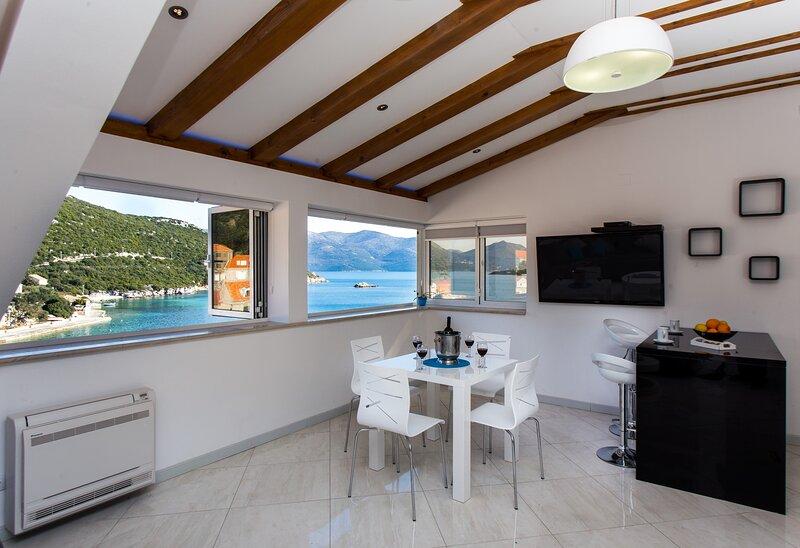 Apartment Mali Skoj - Two-Bedroom Apartment with Sea View, alquiler de vacaciones en Sudurad