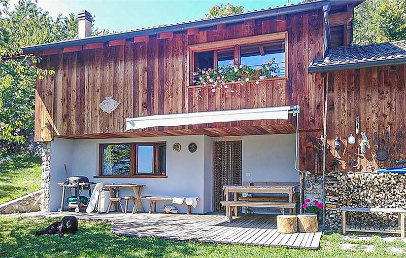 Stunning home in Telve di Sopra with 2 Bedrooms (IDD351), vacation rental in Palu del Fersina