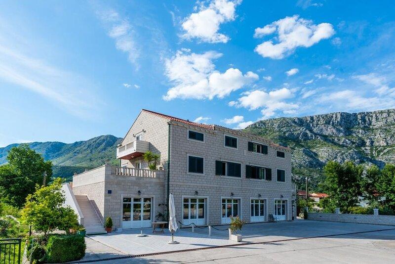 Apartments Dubelj - Double Room - 1, holiday rental in Prijevor