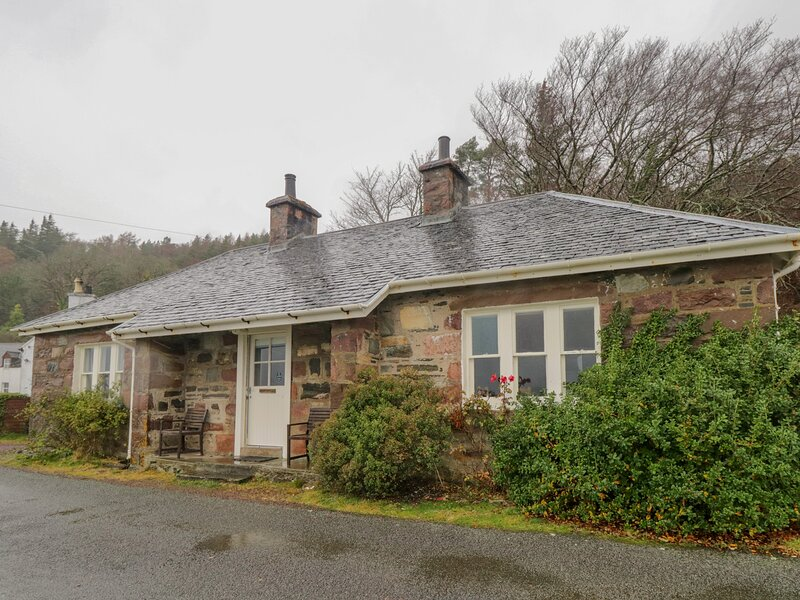 Ferry Cottage, Kyle Of Lochalsh, vacation rental in Drumbuie