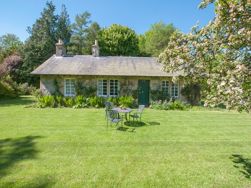 Middle Cottage, Cupar, Fife, casa vacanza a Luthrie