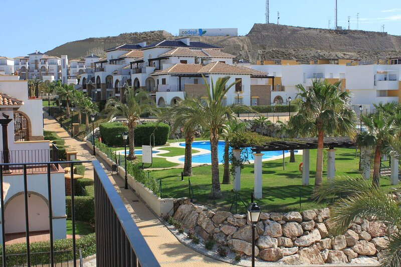 Super Family Friendly Ground Floor Apartment, vacation rental in Playas de Vera