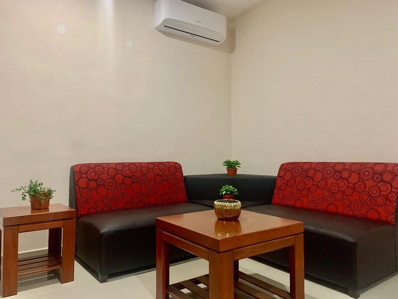 Cozy one bedroom apartment, great location - Montes de Amé, North of Mérida, casa vacanza a Chablekal