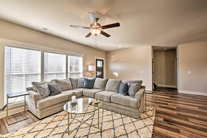 Living Room   1st Floor   Smart TV