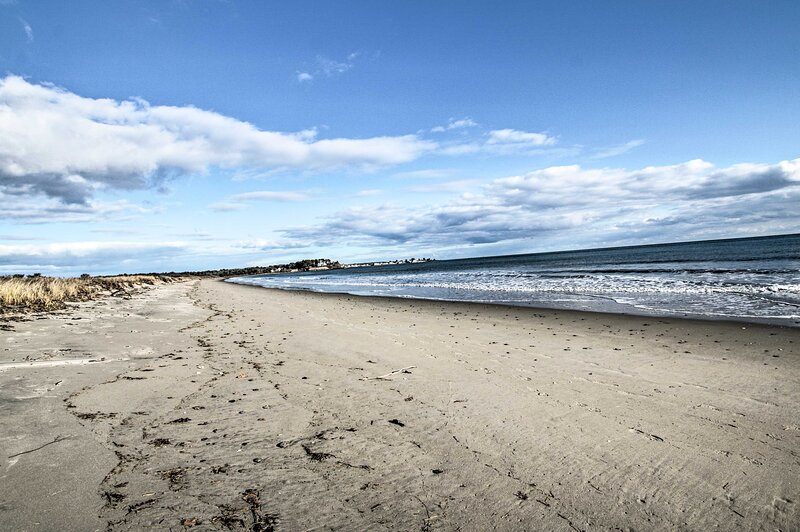 NEW! Expansive Beachfront Retreat w/Outdoor Shower, vacation rental in Kennebunkport