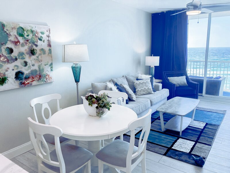 Majestic 505 ~ NEW EVERYTHING~3rd floor RESERVED parking at walkover to building, vacation rental in Panama City Beach