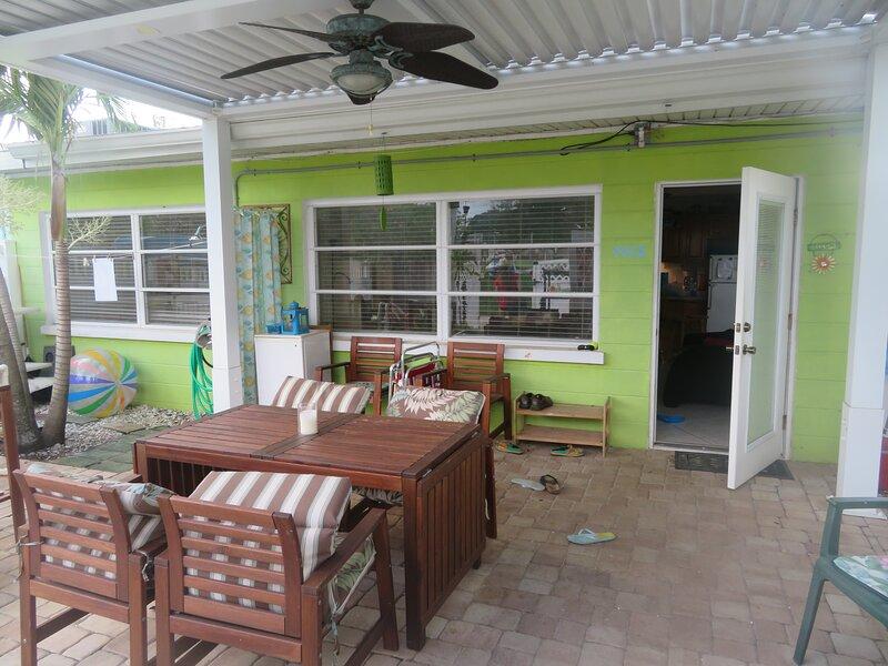 Affordable Anna Maria Vacation - close to everything, alquiler de vacaciones en Holmes Beach