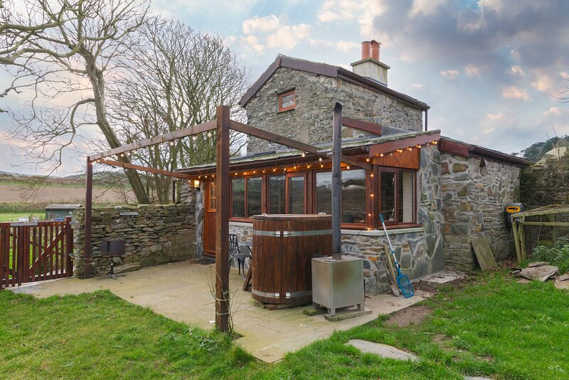 The Tower, holiday rental in St Johns