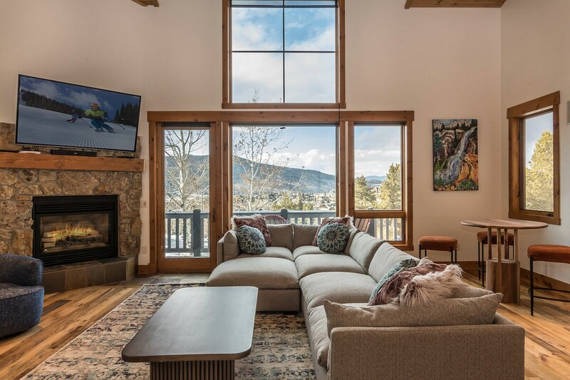 Apres Lodge North is ready to welcome you with new decor and huge views