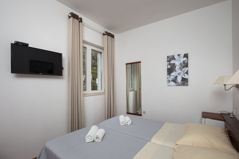 Villa Konalić - Double or Twin Room with Garden View, holiday rental in Prijevor