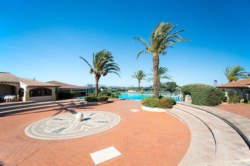 Apt. Eldi 1B, with Condominium Swimming Pool, location de vacances à Lu Miriacheddu