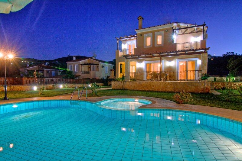 Hloi- Gerani Villas With private pooi, aluguéis de temporada em Kato Valsamonero