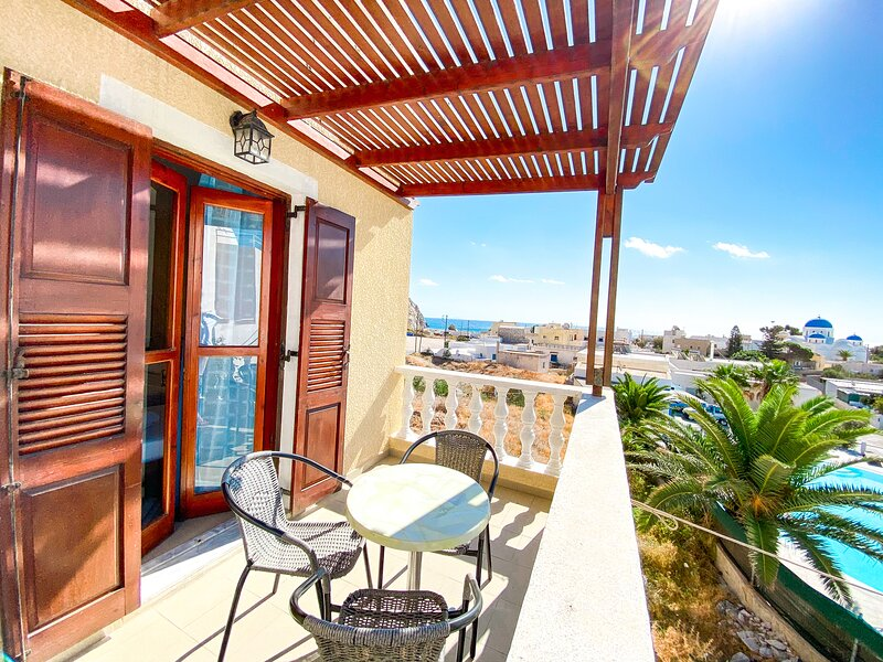 Comfort Studio with SeaView, holiday rental in Perissa