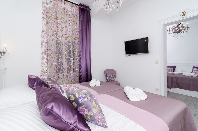 Rooms Sorgo Palace - Luxury Suite with City View, holiday rental in Ston