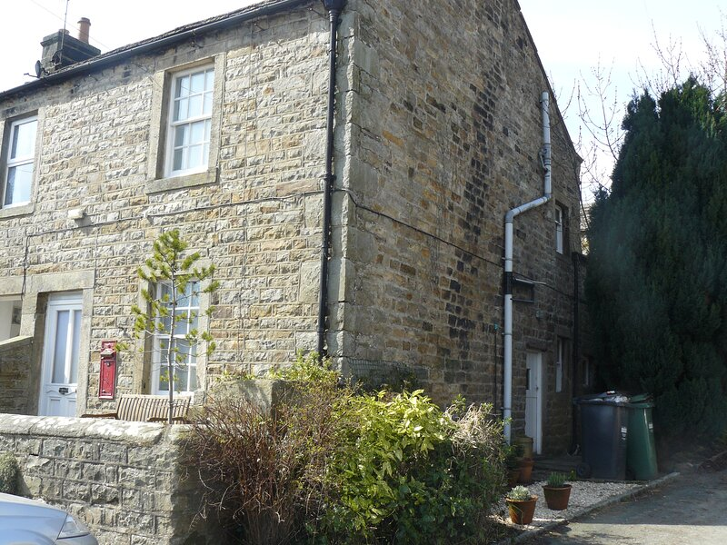 Lovely cottage in charming Swaledale village of Gunnerside, wifi, holiday rental in Arkengarthdale