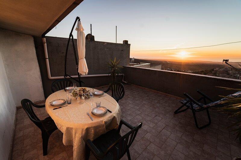 Su 'e Torigheddu - Casa per 4/5 con terrazza panoramica, holiday rental in Santu Lussurgiu