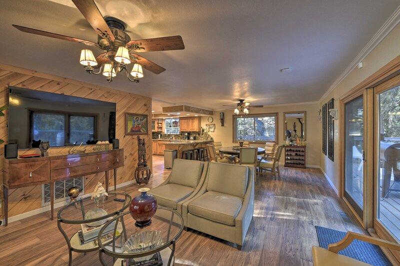 NEW! Serene Cabin Retreat w/ Porch & Pellet Grill!, holiday rental in Barton