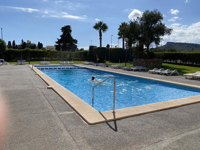 Cala Bona, Superb Apartment Azalea - 2BR,Pool,Wifi Close to Beach & Harbour, location de vacances à Cala Bona