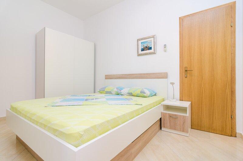 Apartments & Rooms Barišić - Superior Studio Apartment with Balcony, location de vacances à Kupari