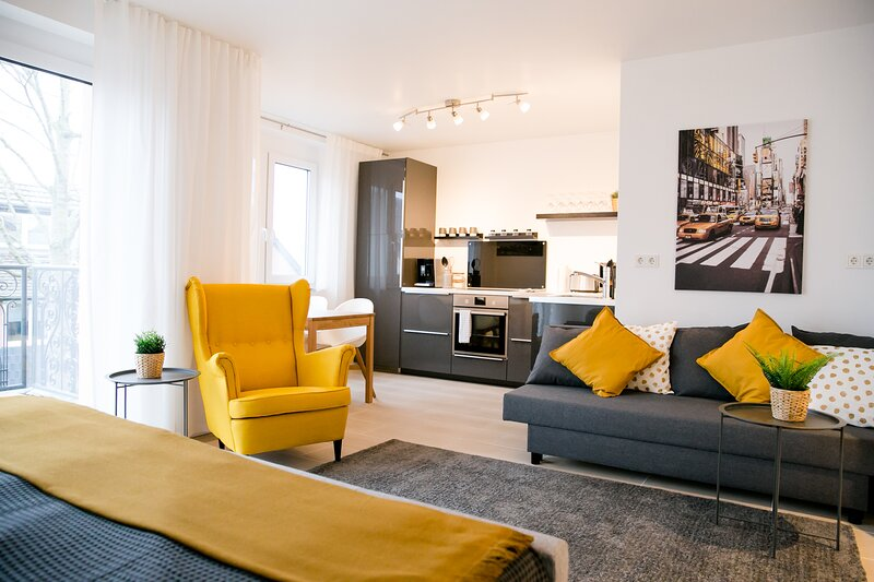 CHIC & COMFORT / TOP CONNECTION, vacation rental in Hennef