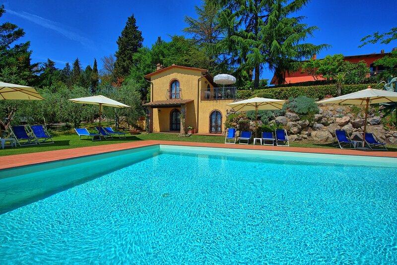Gorgognano Apartment Sleeps 6 with Pool and WiFi - 5874246, Ferienwohnung in Gorgognano