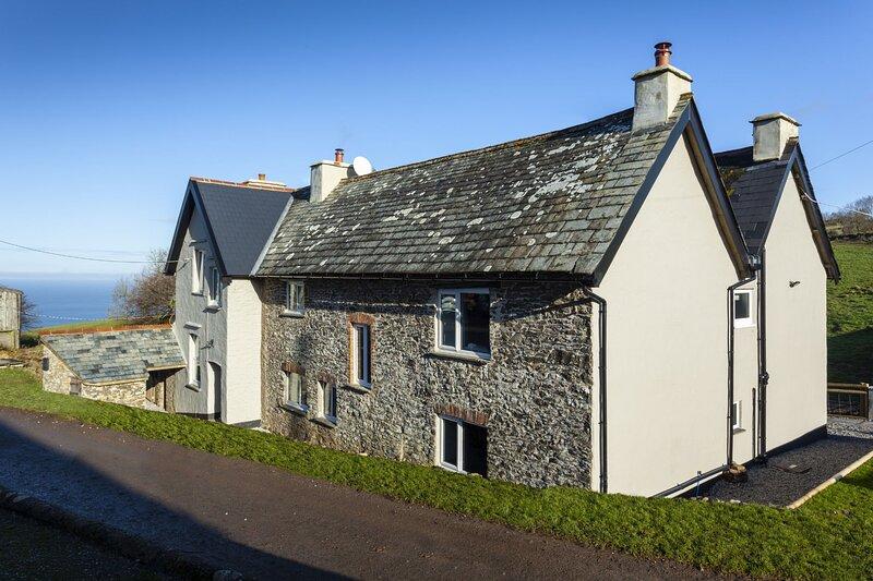 Wingate Farm, Countisbury - Traditional farmhouse in a beautiful rural location, location de vacances à Brendon