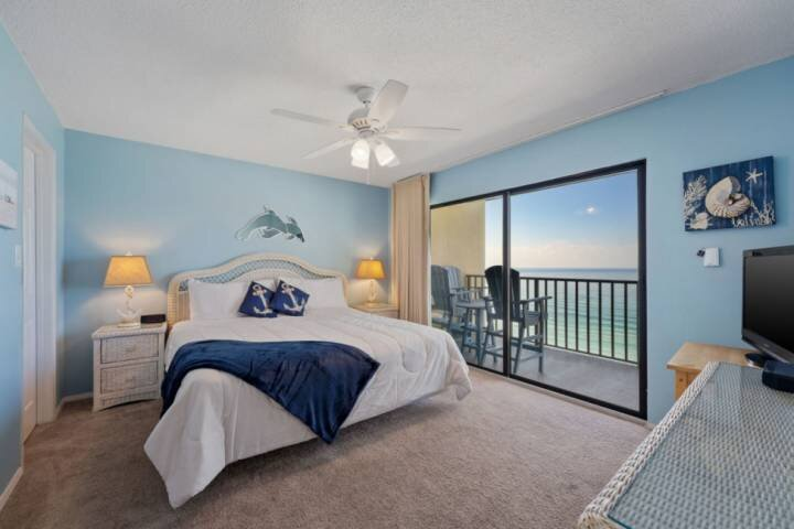 NEW LISTING: Beachfront 3BR on Quiet East End, Short Walk to State Park, Full Ki, holiday rental in Parker