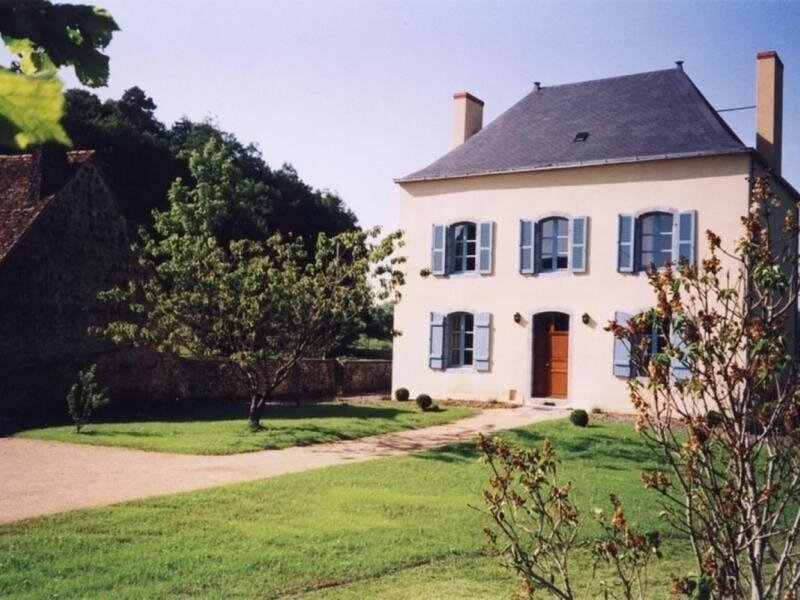 Le Presbytère, holiday rental in Torce-Viviers- en-Charnie